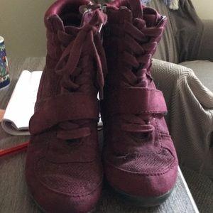 Maroon zip up boots by vera Wang